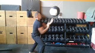ВЫЗОВ ПАРЯЩИЙ МЯЧ! Floating ball challenge / Medicine ball challenge!