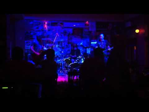 Bloody Kids - Tycoon (Live at Great Northern, Newcastle - 05/04/2012)