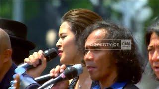 Download Video FULL VIDEO 5: Raisa, Slank & Paduan Suara GBN Meriahkan Upacara Kemerdekaan RI ke 71 MP3 3GP MP4