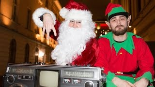 Секретное выступление Noize MC в образе Деда Мороза