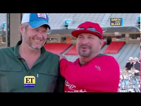 Blake Shelton & Garth Brooks - ET (07.22.2019)