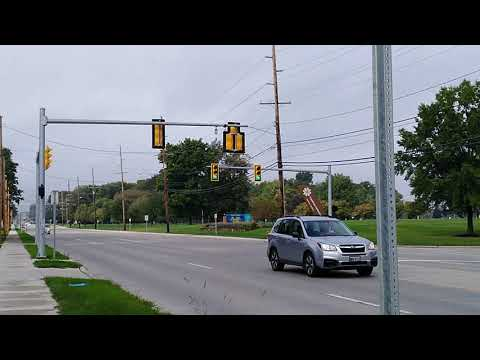 Pleasant Valley Road Traffic Light [MAKING THE SIGNAL CHANGE] • NEO