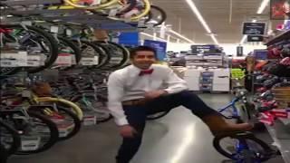 A AA AAAIA - YODELING in Walmart y Pilas (AAAAA2)! Meme