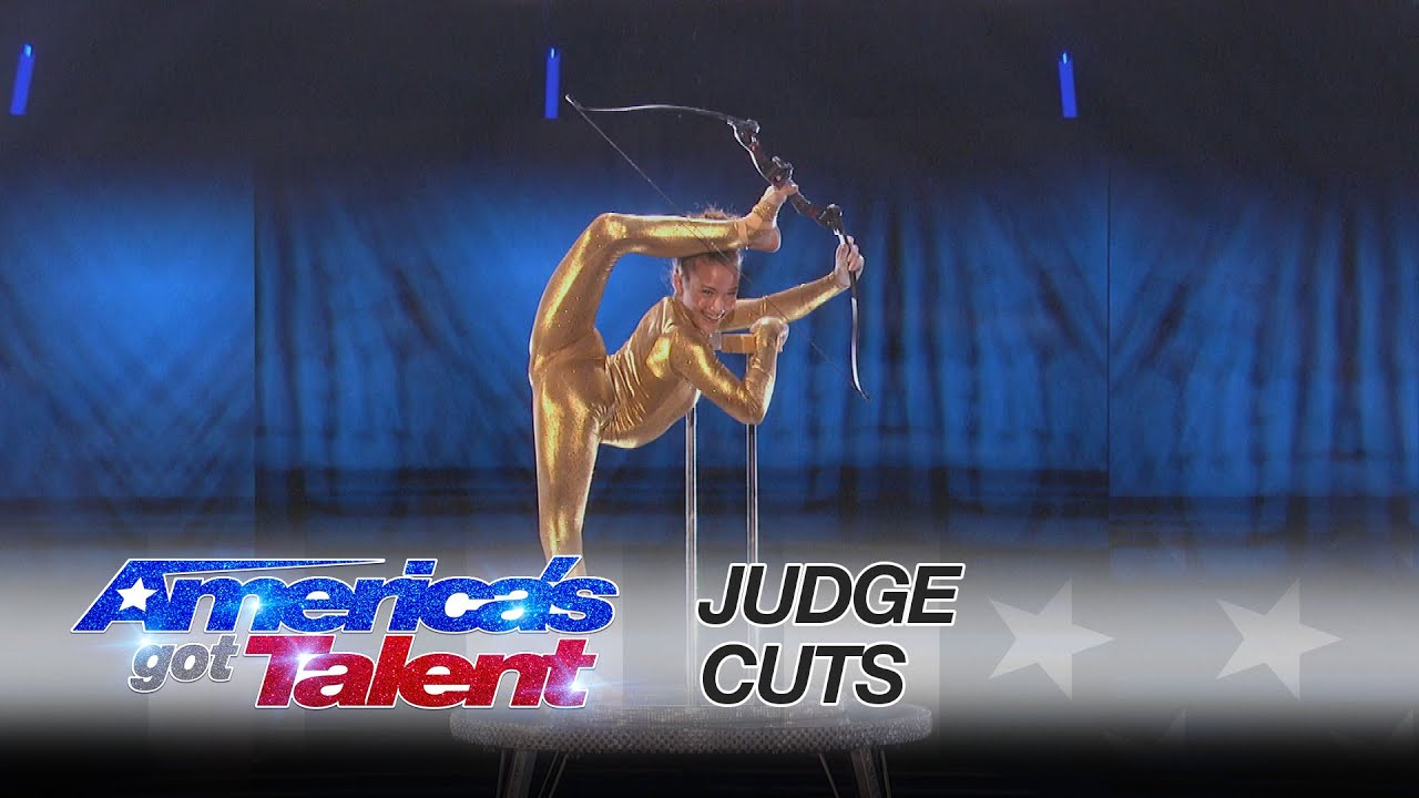 Sofie Dossi: Brilliant Performance Earns Her the Golden Buzzer - America's Got Talent 2016 thumbnail