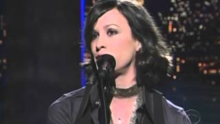 Alanis Morissette - Knees Of My Bees - Letterman Late Show [11-18-2004]