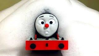きかんしゃトーマスプラレールでバトル&泡遊び☆Thomas&friend  Milky Kids Toy
