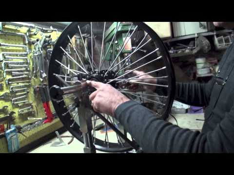 comment demonter la roue avant d 39 une moto la r ponse est sur. Black Bedroom Furniture Sets. Home Design Ideas