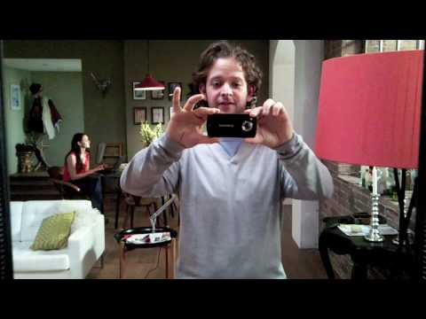 Samsung i8910 (OmniaHD) HD Video Trick Doesn't Impress The Girlfriend