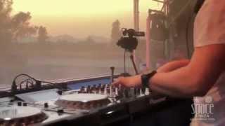 Back - Zeroone & Firstlight feat. Simson