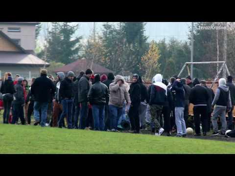 Bójka kibiców na meczu Victoria Kobylany - Polonia Kopytowa [WIDEO]