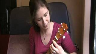 the Dresden Dolls - Lonesome organist rapes page turner ukulele cover [hilarical version]