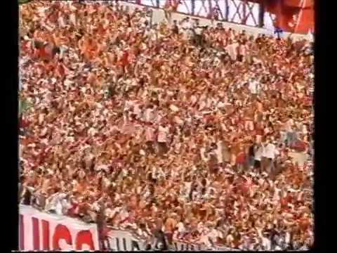 """""""Hinchada River 2004 aca no hay banderas negras"""" Barra: Los Borrachos del Tablón • Club: River Plate"""