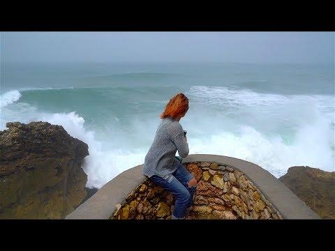, title : 'Самые большие волны в мире. Назаре. Португалия.  Серфинг в Португалии.'