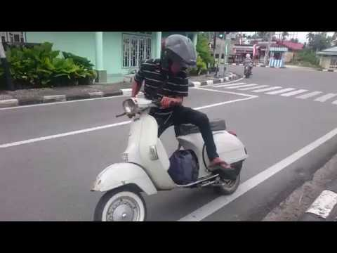 GO-RUNNING TOURING VESPA PX 150 cc Kota Pariaman(SIC)