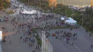 Смотреть онлайн Флешмоб в России при участии 1000 человек
