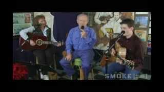 "Charlie Louvin performs ""Knoxville Girl"""