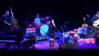 Fiona Apple_The First Taste (live) @ Bank of America Theater in Chicago_October 15, 2003