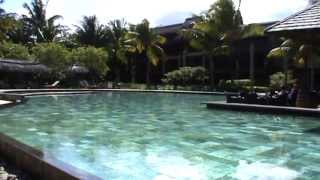preview picture of video 'Mauritius Luxus Hotel Heritage Awali Golf & Spa Golfhotel 2 Golfpätze Pool Strand'
