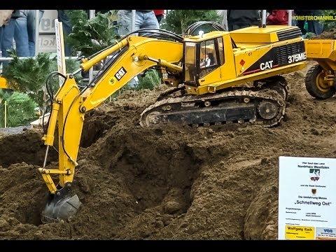 giant cat excavator - photo #11