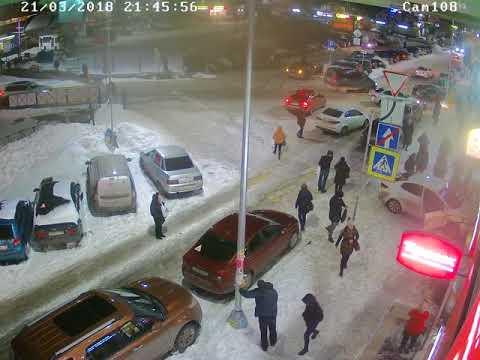 Пьяный водитель Kia Rio врезался в магазин в Мурино