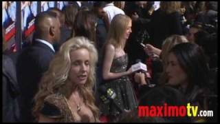 Ранэвэйс, Dakota Fanning Arriving at 'The Runaways' Premiere March 11, 2010