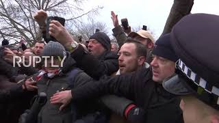 UK: Scuffles break out as Tommy Robinson speaks in London