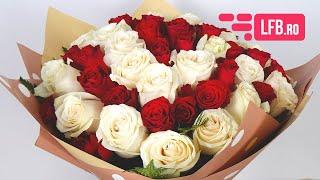 Video Buchet romantic de trandafiri rosii si albi