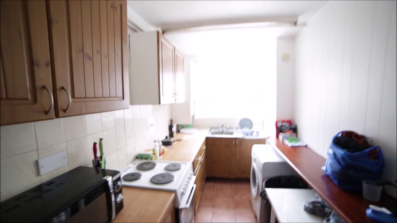 Double bed in Rooms to rent in a furnished 5-bedroom apartment in Hackney