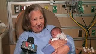 义工护工照看早产婴儿