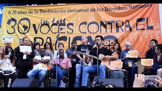 """Gepe Interpreta """"Joane"""" En El Frontis De Casa Central U. De Chile"""