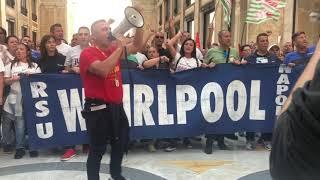 gli-operai-della-whirlpool-ancora-in-piazza