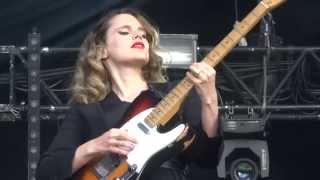 Anna Calvi - Rider & Blackout - Live @ La Route du Rock St Malo - 15 08 2014