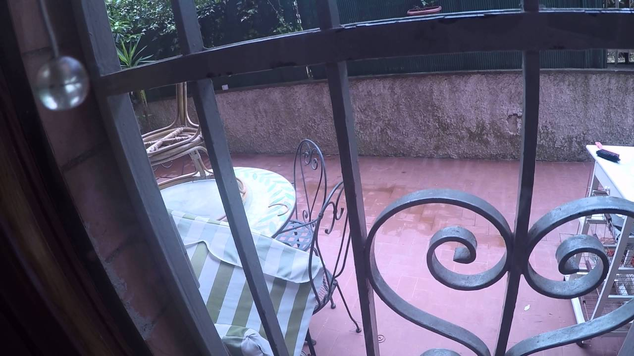 2 rooms for rent in a charming apartment with large terrace in residential area of Rome