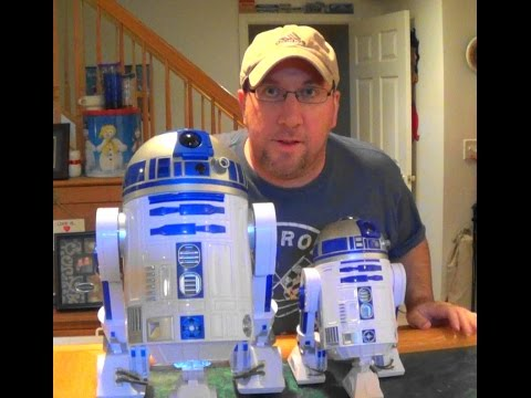Star Wars Toys R Us R2D2 vs. Disney R2D2 Comparison and Review