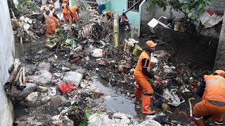 Situasi Selepas Banjir Menerjang 3 RT hingga Akibatkan Tanggul Jebol di Jati Padang