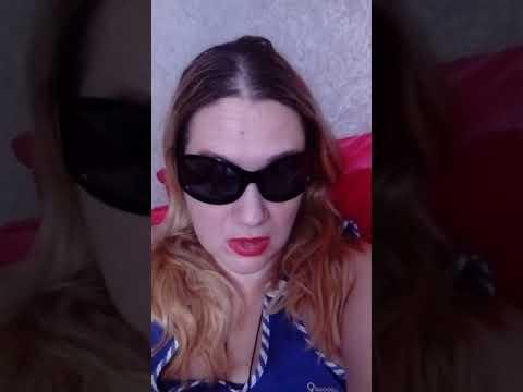 Фото девушек с очками от близорукости
