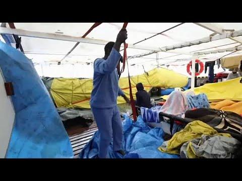 Ιταλία: Προσέφερε ασφαλές λιμάνι σε δύο πλοία με μετανάστες…