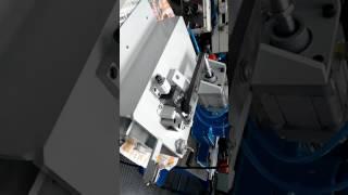 Máquina para fazer rasgos em perfil de alumínio vista 2