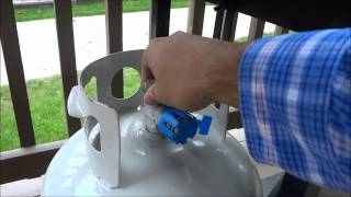 How To SAFELY Change The Propane Tank On A Barbecue