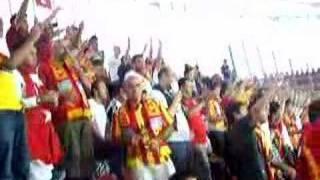 AZ - Kayserispor maç öncesi tezahuratlar