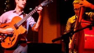 "Julian Lage-Jorge Roeder duo: ""Ode to Elvin"""