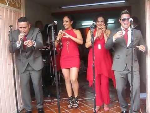 La Cumbia Barulera Sonora Dinamita de Lucho Argain y Elsa López en sonideros tv
