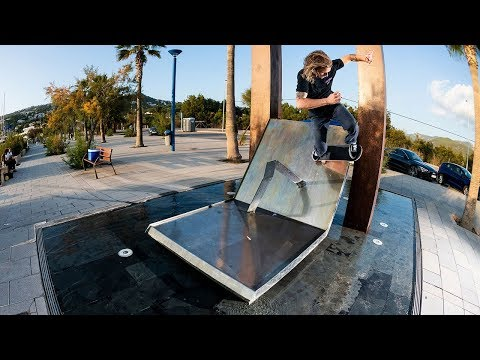 Vans' Cougar Island Video