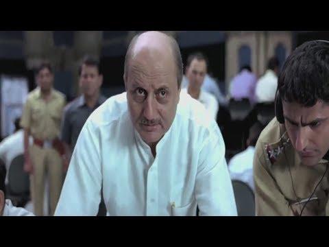 Serious conversation between Naseerudin and Anupam