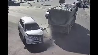 Car Crash Compilation #21 - October 2019