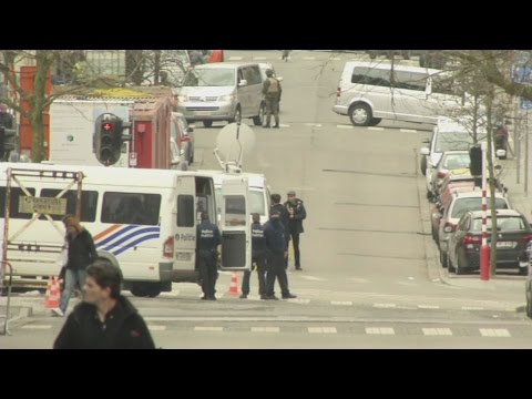 Η εικόνα γύρω από τα ευρωπαϊκά κτίρια αμέσως μετά τις τρομοκρατικές επιθέσεις