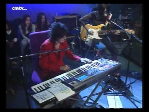 Charly García video Promesas sobre el bidet - CM Vivo agosto 2002