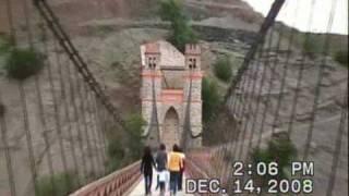 preview picture of video 'The Sucre Bridge, Pilcomayo / El puente Sucre sobre el rio Pilcomayo entre Sucre y Potosi en Bolivia'