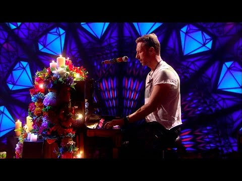 Coldplay - Everglow (Live on The Graham Norton Show)