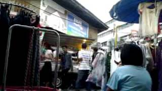 preview picture of video 'Bad Boys at Surat Thani Market - 19.03.2011'